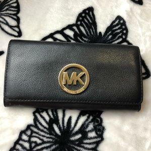 LIKE NEW 💥 Michael Kors Black Leather Wallet